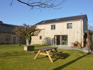 Charming house in the countryside, walks, bike rides and relax are on the menu!