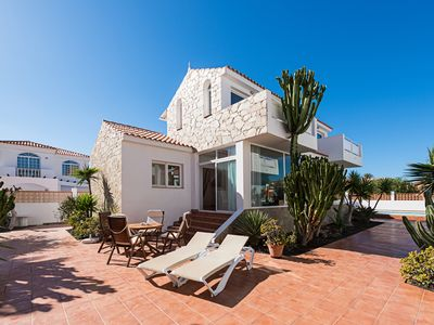 Photo for Modern and central villa 90m from the sea with garden pool and private parking