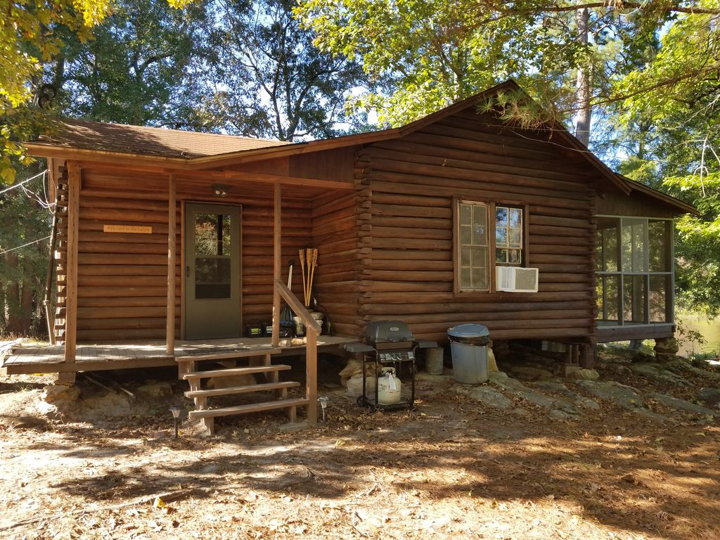 Secluded 1930 39 s log cabin on east texas private fishing for East texas fishing report