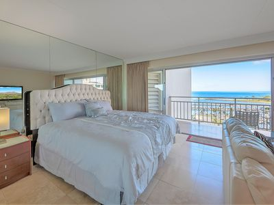 Photo for 15th Floor 1BR at Ilikai Hotel! Only Steps to World Famous Waikiki Beach!