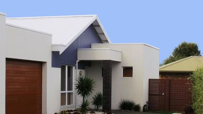 Photo for 2BR Townhome Vacation Rental in Inverloch, VIC