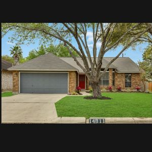 Photo for Close to EVERYTHING in upscale side of town. Family friendly, quiet culdesac