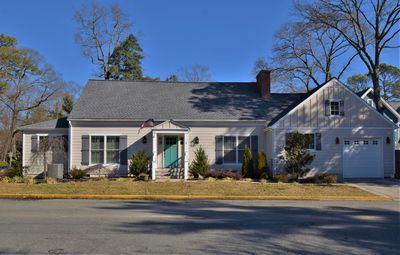 Photo for Gorgeous 5b/5ba home located in downtown Rehoboth!