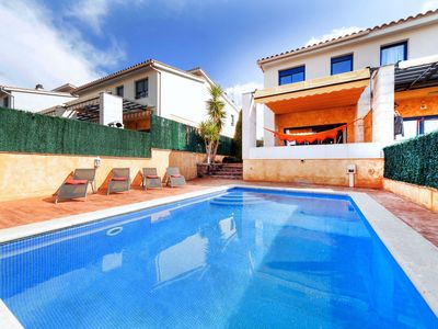Photo for This 4-bedroom villa for up to 8 guests is located in Palomas and has a private swimming pool, air-c