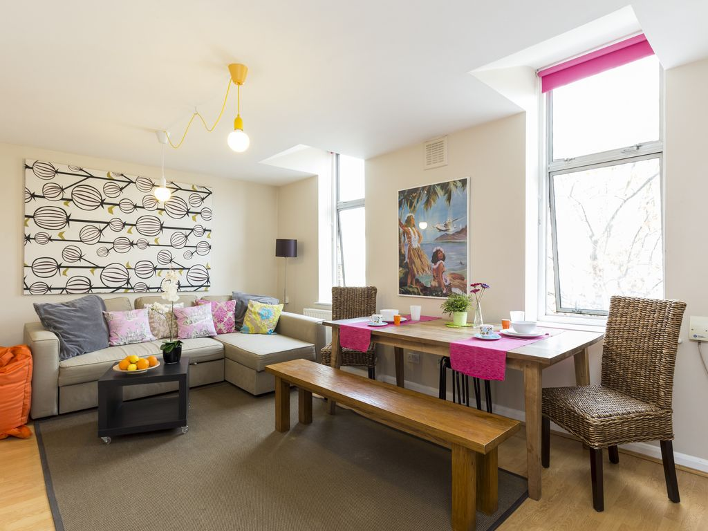 SPECIAL OFFER! High Street Trendy Spacious... - HomeAway Islington