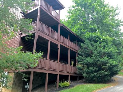 Photo for Make Memories at Cozy 3 Bedroom Cabin-1 mile to Parkway- Experience the BEST!!