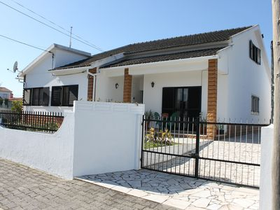 Photo for Townhouse with great location near Lisbon, Trade and Beach Zones