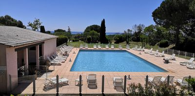 Photo for Appt 3 rooms in luxury residence, swimming pool, tennis, sea view, calm