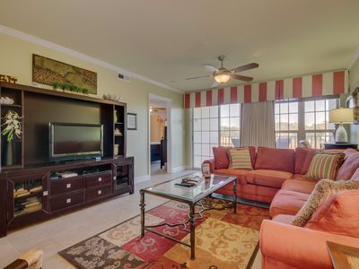 Photo for Luxury condo, beautiful decor & near Barefoot Landing