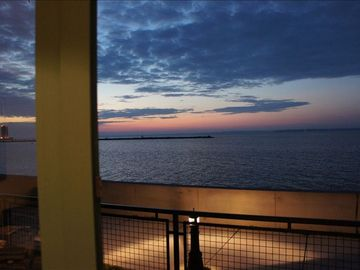 Beautiful water view- Cedar Point/Islands 2bed2bath Chesapeake Lofts