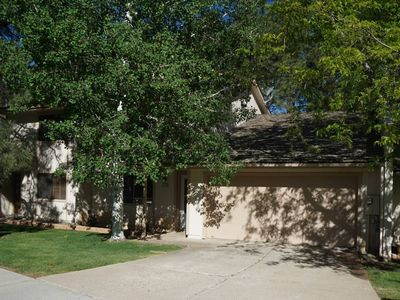 Photo for Lovely Townhome on Golf Course in Country Club!