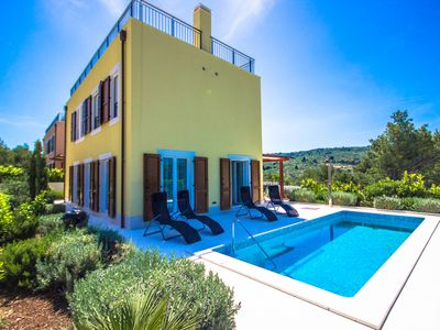 Photo for High-Comfortable villa with private pool and 3 bedrooms for 8 people