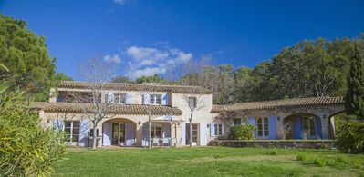 Photo for villa for 10 people beach walk to Gigaro with large pool and beautiful garden
