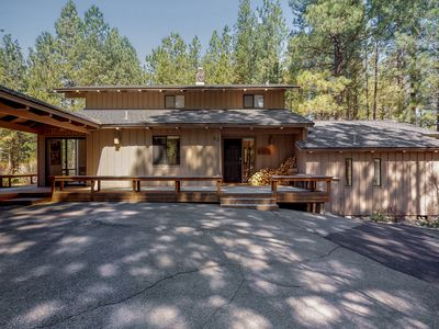 Photo for NEW LISTING! Dog-friendly home w/ private sauna, golf course view & shared pool!