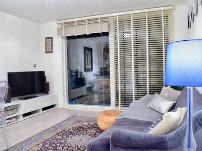 Photo for 1 Bedroom Apartment With Balcony in Haggerston