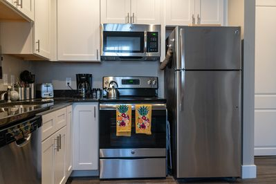Kitchen - All major appliances are available. Additionally, a coffee pot, toaster, tea kettle, and more!
