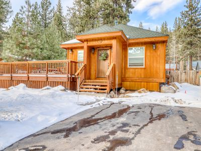 Photo for Beautiful cabin home with private hot tub & gas fireplace - dog friendly!