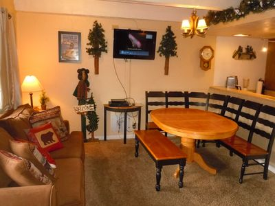 3 Bedroom Townhouse with Private Spa at the Base of Snow Summit Ski Resort!