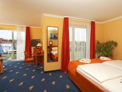Photo for Suite handicapped accessible (balcony or terrace) - BEST WESTERN Hanse-Kogge Hotel & Restaurant