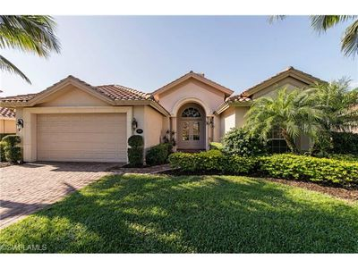 Photo for Outstanding Briarwood Naples 4 bedroom 3 bath private pool and spa home