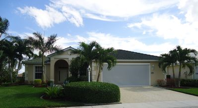 Golf & Pond View home in gated community, sleeps 6