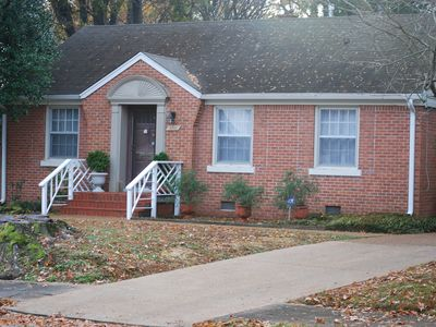 Traveling Nurses , Extended stay Private home  2 bed fully furnished central loc