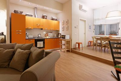My Florence Home: large area for cooking and dining
