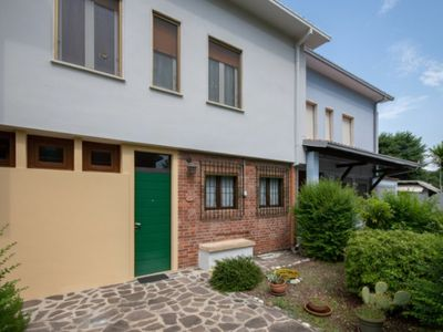 Photo for Townhouse 70m from the lake, garden, parking, partial lake view