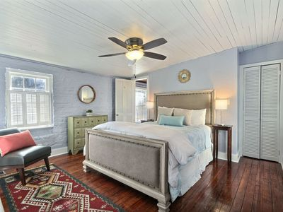 Photo for Cute and Cozy Historic District Carriage | Great Courtyard | Walk Everywhere!