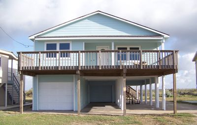 Photo for Relax in a beautiful, getaway by the sea in quiet Matagorda