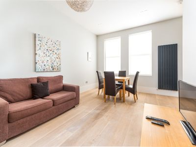 Photo for Cool & Stylish London Apartment (SUH3)