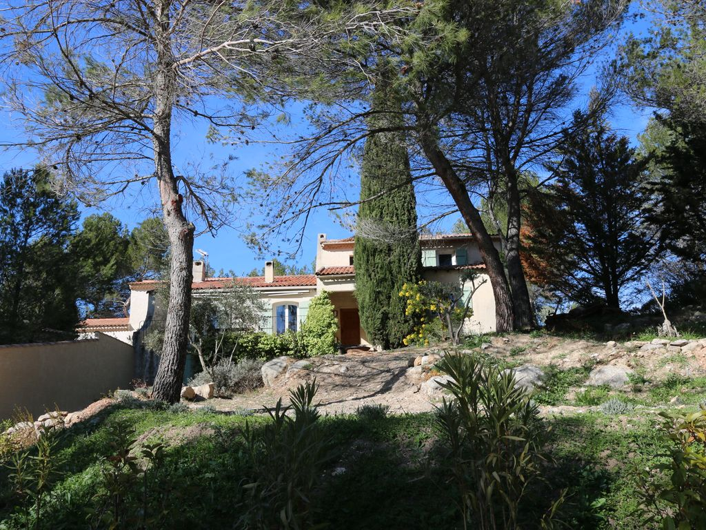 HOUSE WITH SWIMMING POOL Between Aix And Marseille. Quiet Area, Pine  Forest. Mimet House Rental