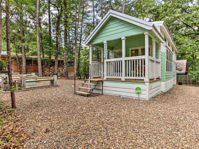 Photo for 'Forest Gem' Broken Bow Cottage w/Porch & Fire Pit