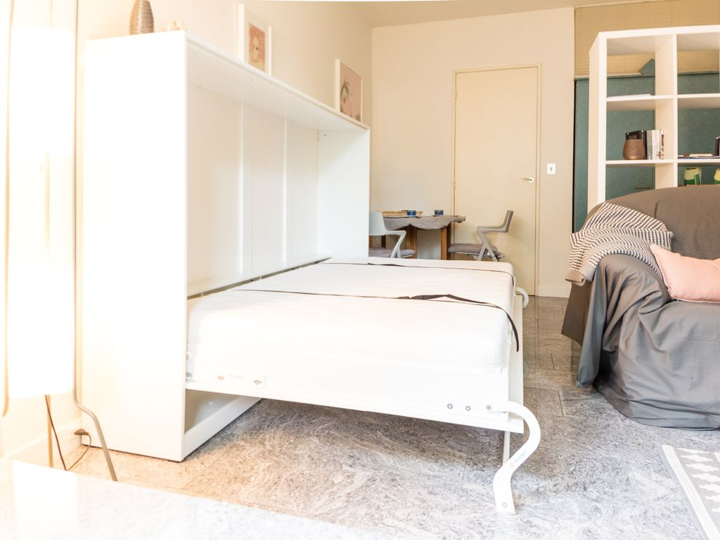 Property Image#3 Nice, Bright Studio For Rent In Neuilly Sur Seine