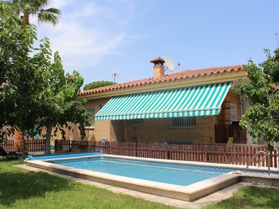 Photo for Cambrils: House with private pool. Pool & barbecue, only 800m from the beach