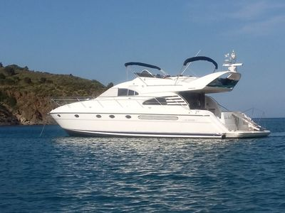 Photo for Rent at quay magnificent yacht of 17m for 2 to 4 people, 200m from the beach