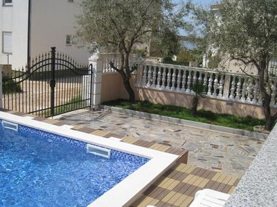 Photo for Ground floor apartment with privat pool, less than 500 metres from the beach