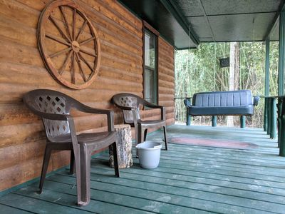 CANEY CREEK CABIN - 2 bedroom, 1 bath, sleeps 6, Walking distance to lake