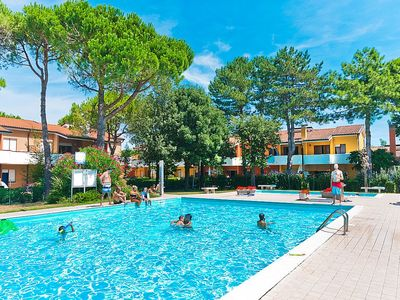 Photo for Bibione Apartment, Sleeps 5 with Pool, Air Con and WiFi