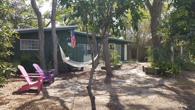 Paradise Found on Tybee Island - Cozy Cottage with Free Wi-Fi