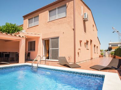 Photo for Attached house for 8 people with private pool in Sant Pere Pescador