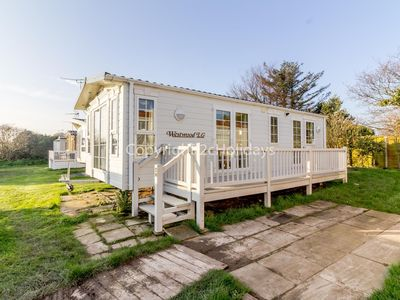 Photo for Luxury 4 berth caravan for hire by the beach in Norfolk ref 50047H