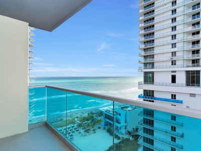 Photo for Great apartment with sea view in the floor