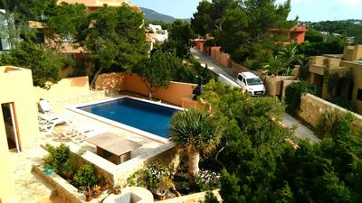 Photo for 6 bedroom villa close to the beach