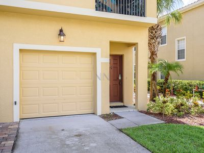 Photo for 2 Beds at OakWater - 5 min from Disney.
