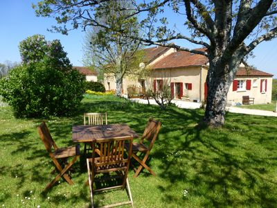 Photo for A countryside retreat in the heart of the Perigord - Heated Pool & Hot Tub