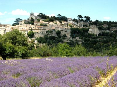 Photo for Charming cottage 3 * in the heart of Luberon