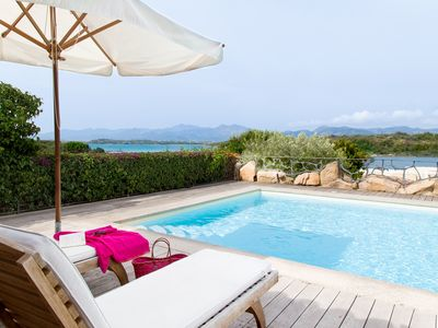 Photo for Five-bedroomed villa with private swimming pool and beautiful sea views