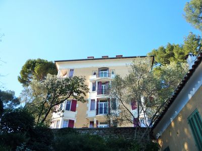 Photo for The calm in the hill, on the heights of Hyères