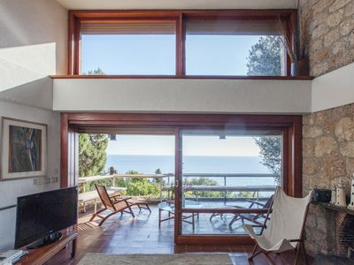 Photo for Splendid villa immersed in the park, with descent to the sea and breathtaking views